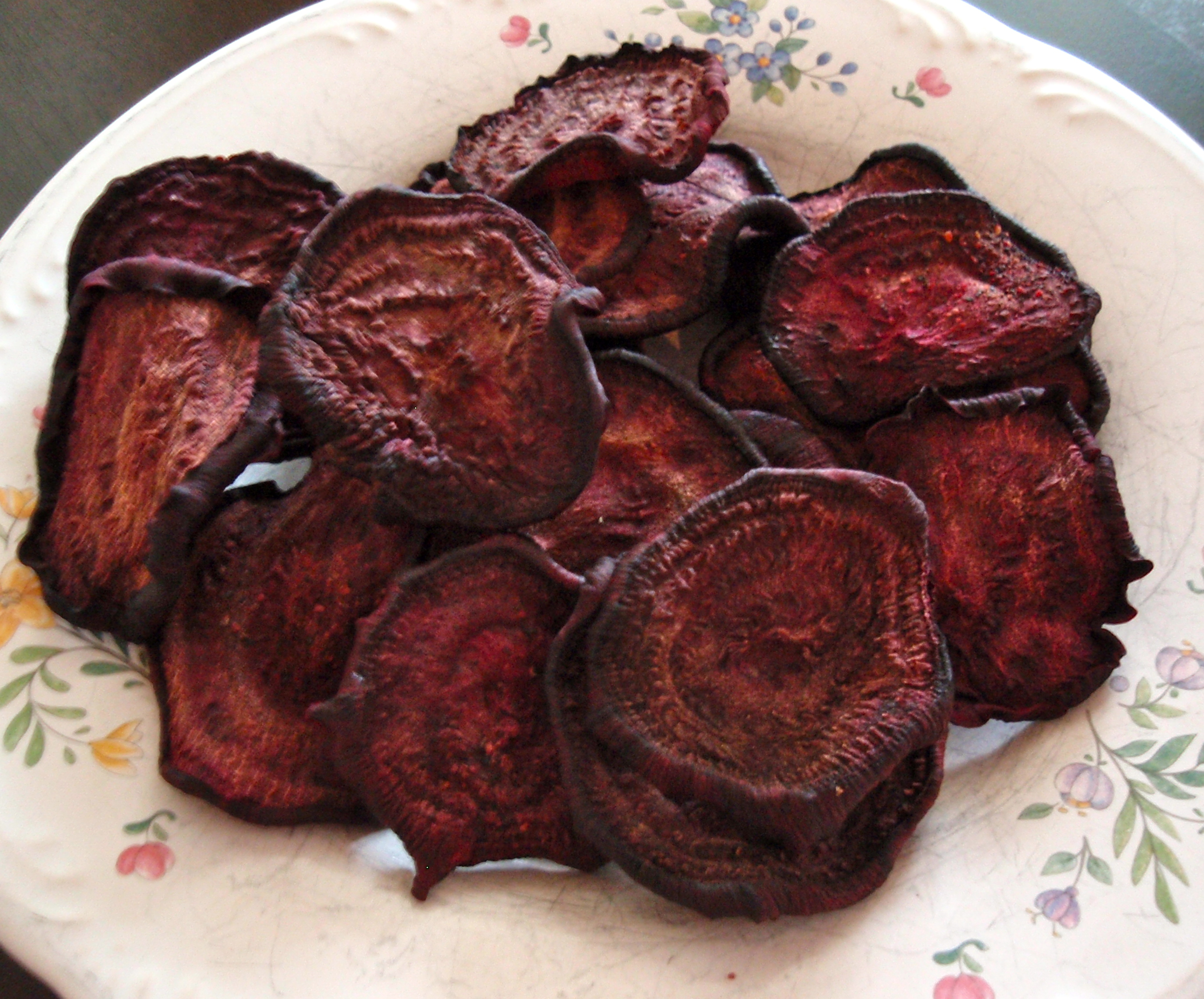 Beet Chips, The Healthy Alternative to Potato Chips